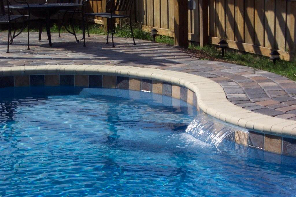 Laguna Style Pool with Water Feature | Paradise Pools